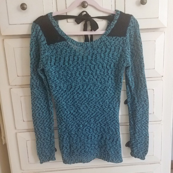 74664209b5 Super cute low back Maurices teal sweater